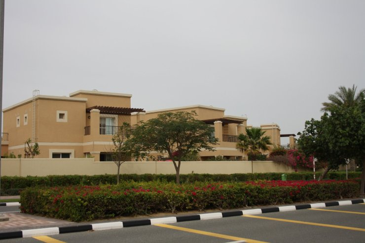 Laura Vanessa Nunes_Suicide at the Burj Khalifa_Laura's Voice Whispers from an Angel_Mubarak bin Fahad_Leona Sykes_52736380_991690334373996_3065148121399951360_o